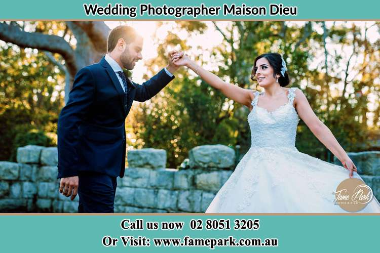 Photo of the Groom and the Bride dancing Maison Dieu NSW 2330